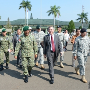 Ambassador Marciel Joins Opening of U.S.-Indonesia Military Exercise